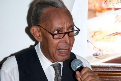 Emanuel Minos talte på pastormøte
