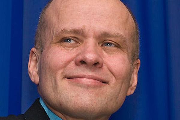 Norge Idag: Pastor Torp utfordrer mektige medier